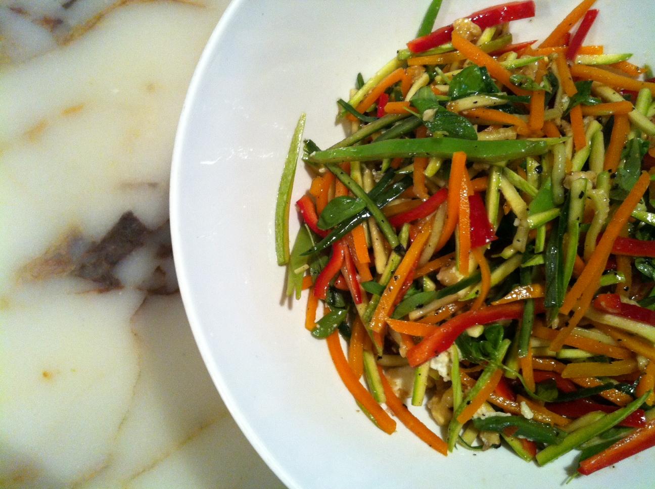 Çok Eskilerden: Sebze Salatası Kulaktan
