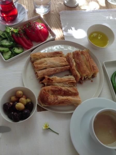 ayna'da kahvaltı
